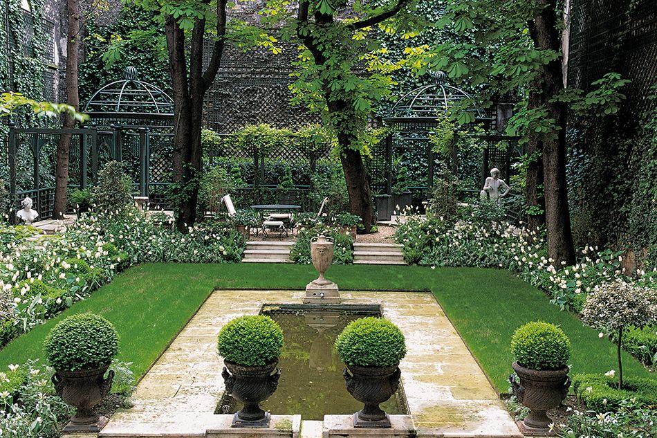 The Secret Gardens of Paris